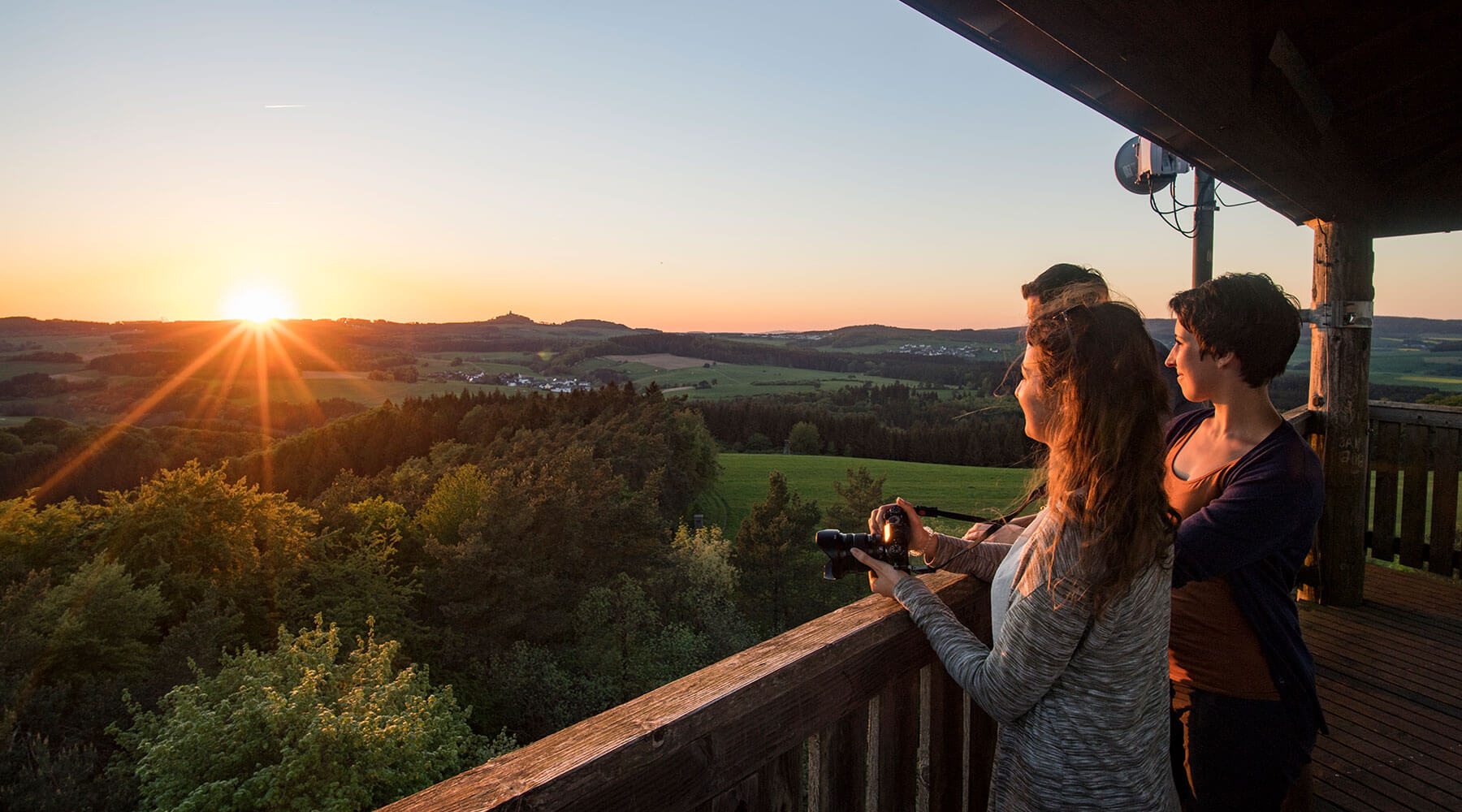 Sonnenuntergang auf dem Eifelturmpfad